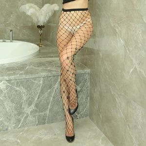 Accessories - Black Sexy Gorgeous Jewel And Flower Fishnets